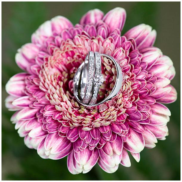 giftingahringar skartgripir ljósmyndari jewellery photographer blóm